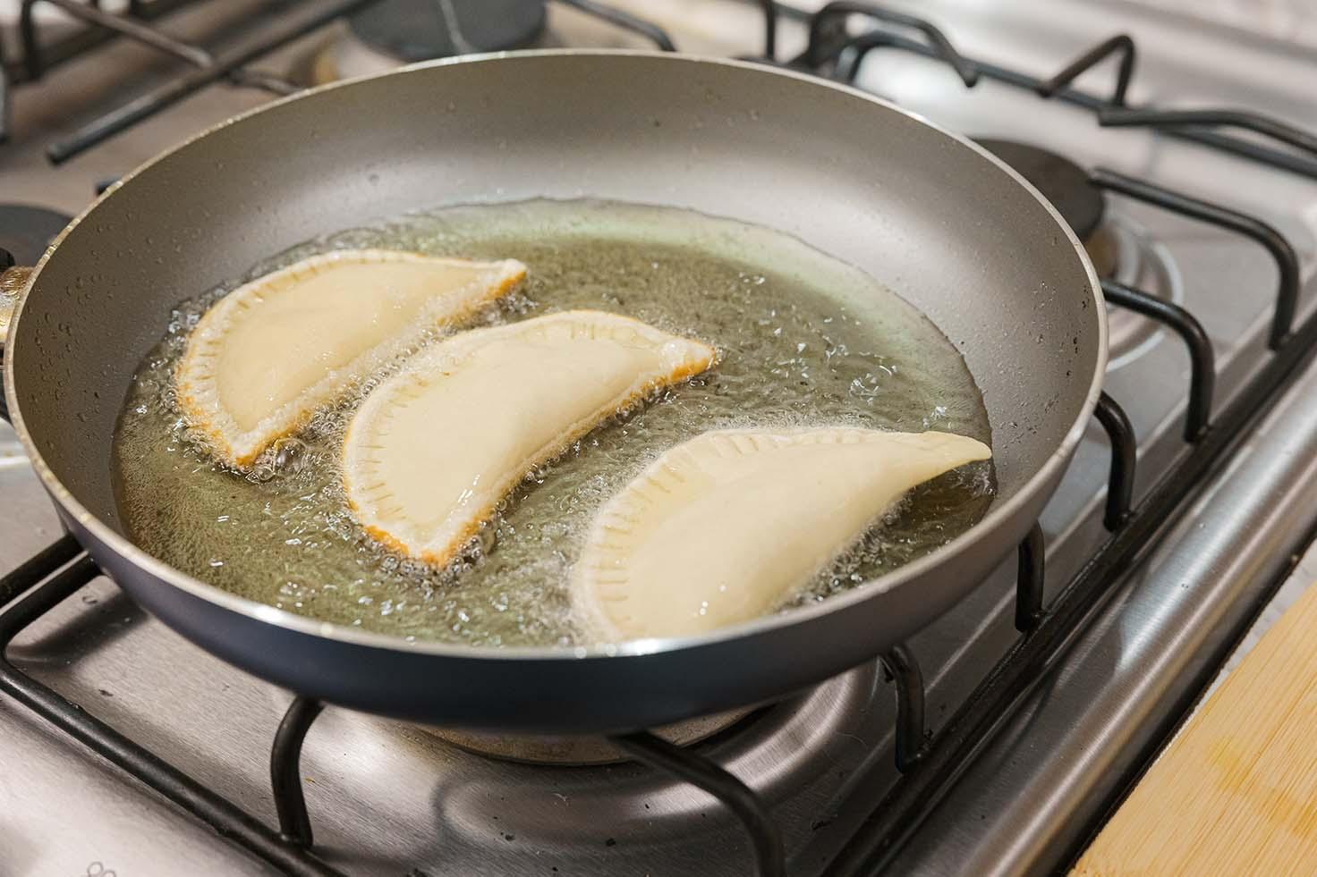 Empanadas rellenas de atún